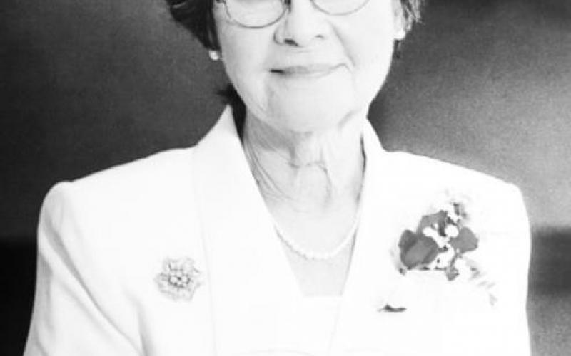 Elenor Faye Holmes