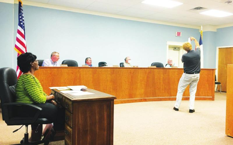 Council approves plat for dialysis center