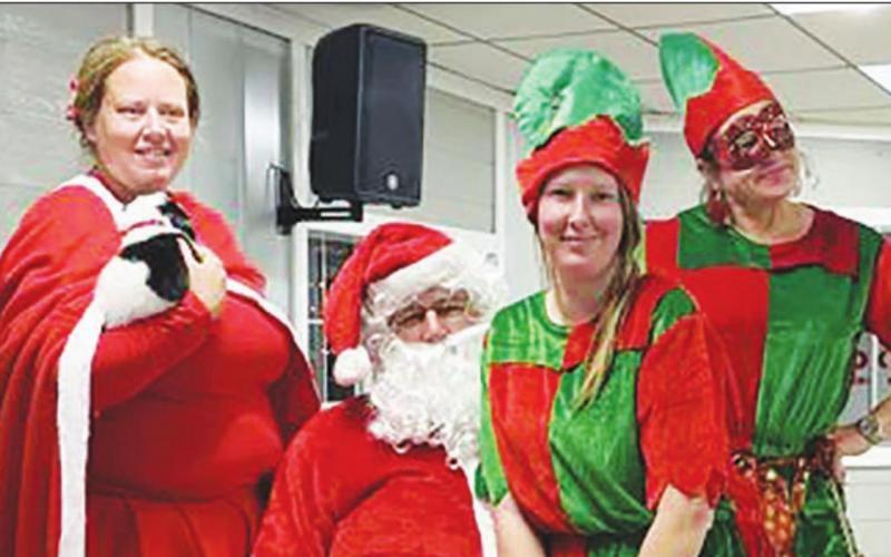 Santa Claus Brings Christmas Cheer to Kosse With Llamas instead of Reindeer